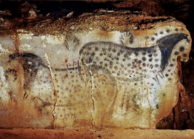 Peche-Merle-Spotted-Horses-in-France-Lp-complex-existed-25000yrs-ago